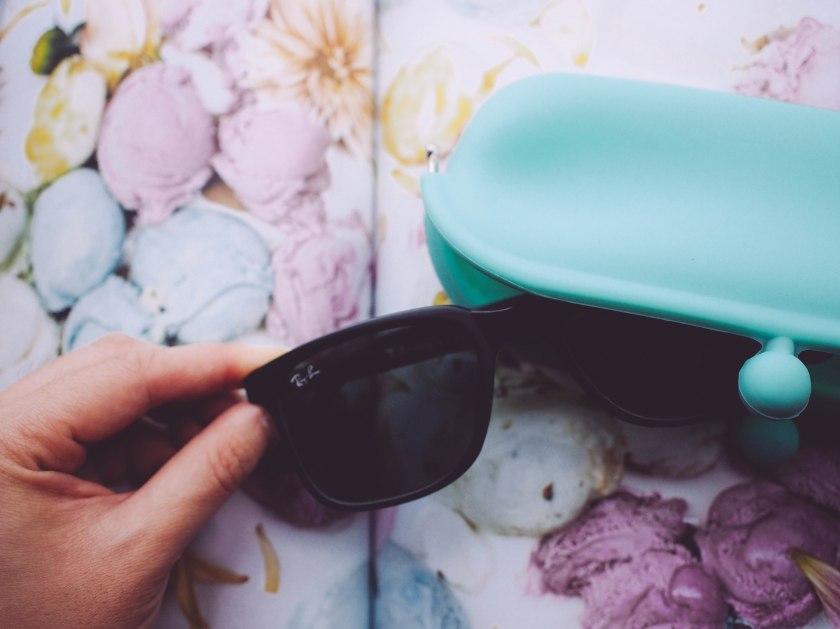 cyan silicone shades pouch