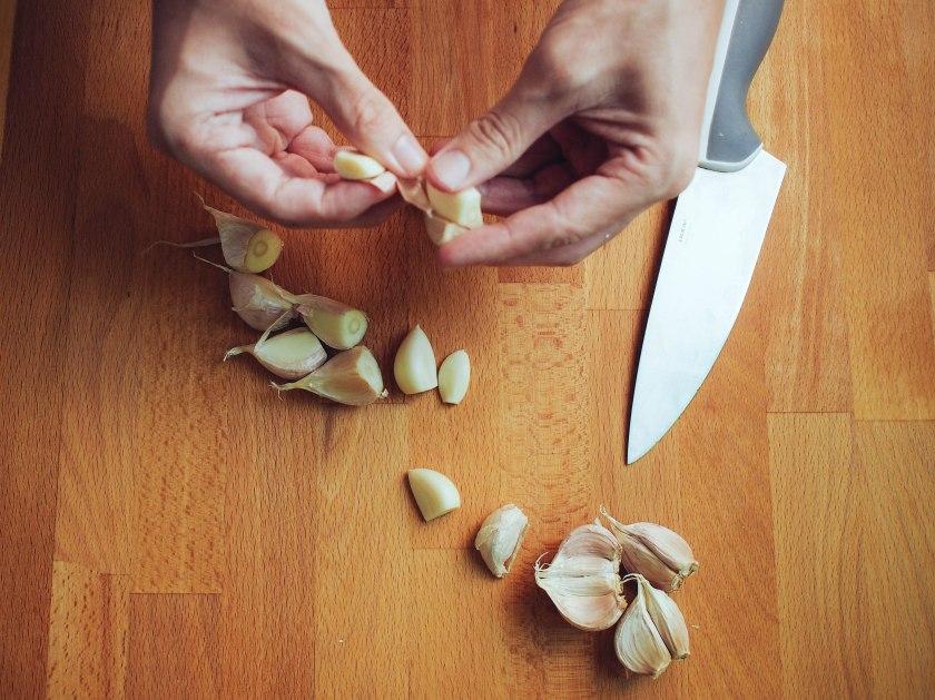 cutting garlic