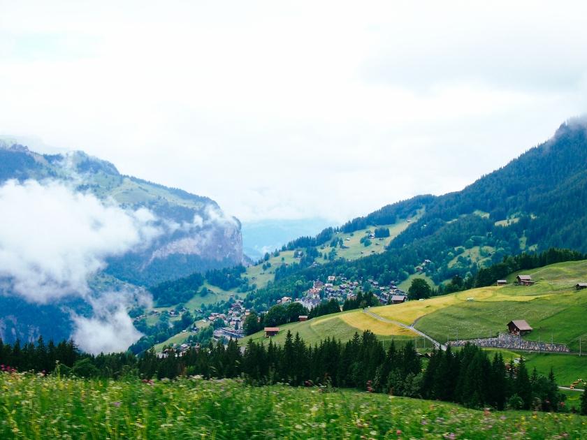lauterbrunnen-scenery