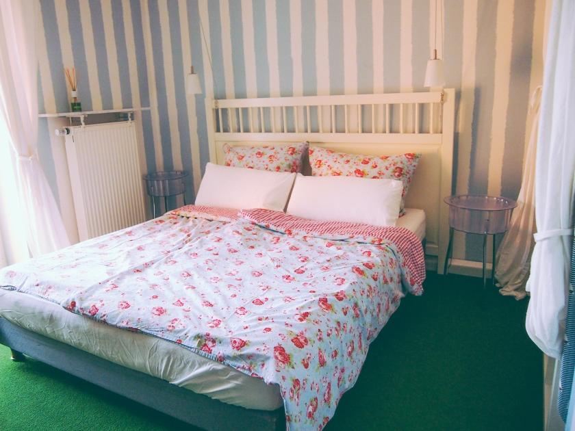 munich-apartment-bedroom3