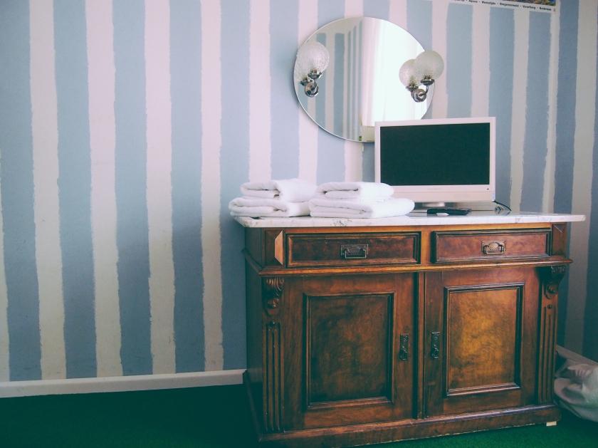 munich-apartment-bedroom4