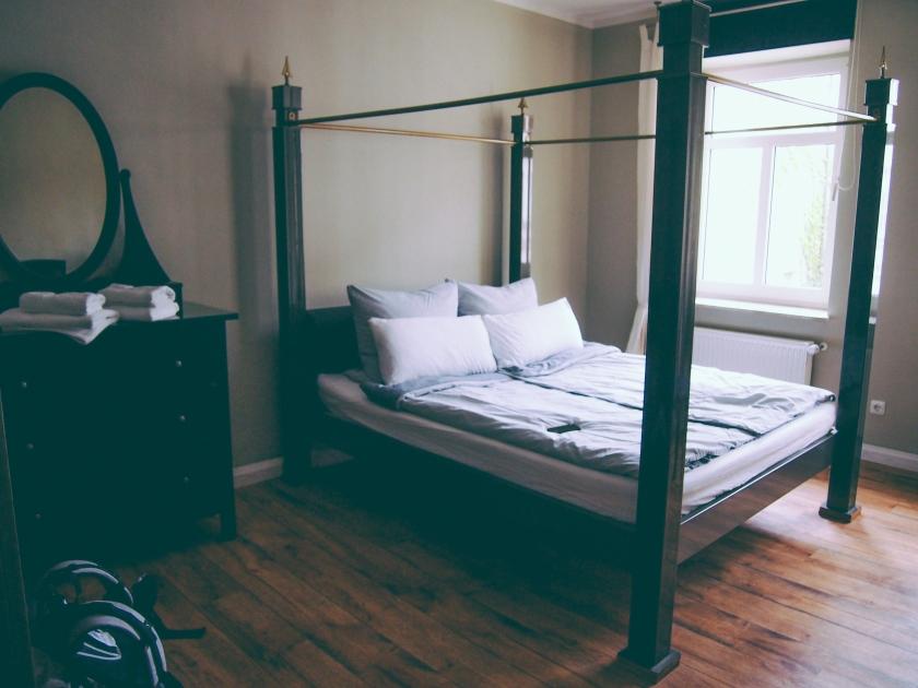 munich apartment bedroom 1