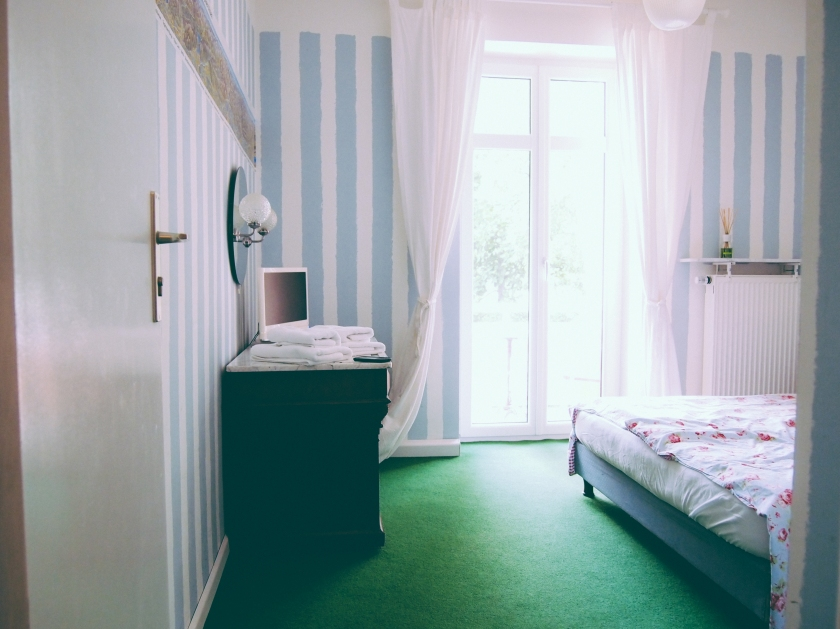 munich-apartment-bedroom2
