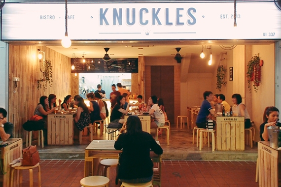 knuckles-bistro-review