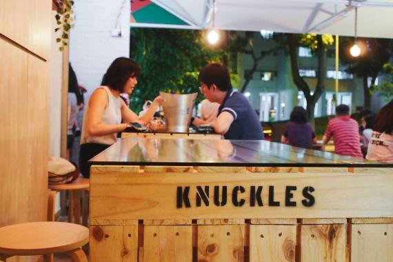 knuckles bistro