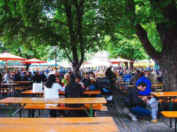viktualienmarkt-beer-garden