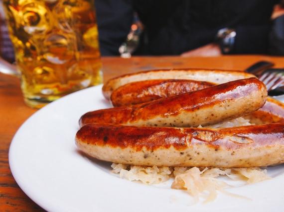 bratwurst-sourkraut