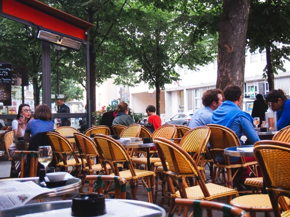 Paris-cafe-sidewalk