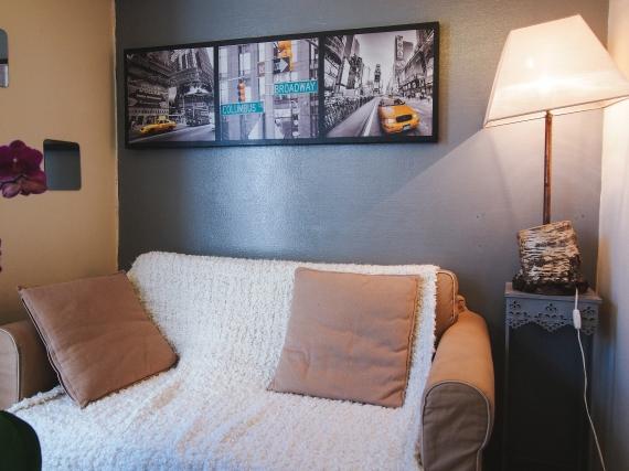 paris-apartment-living-room