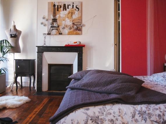 paris-apartment-bedroom-1
