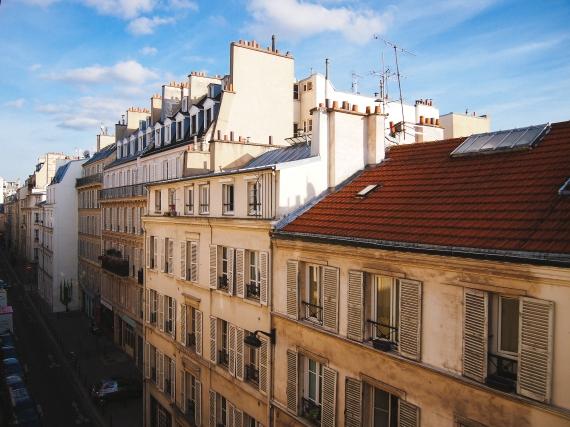 paris-apartment-view-bright