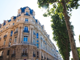 building-champs-elysees