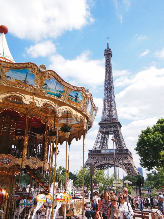 eiffel-tower-carousel