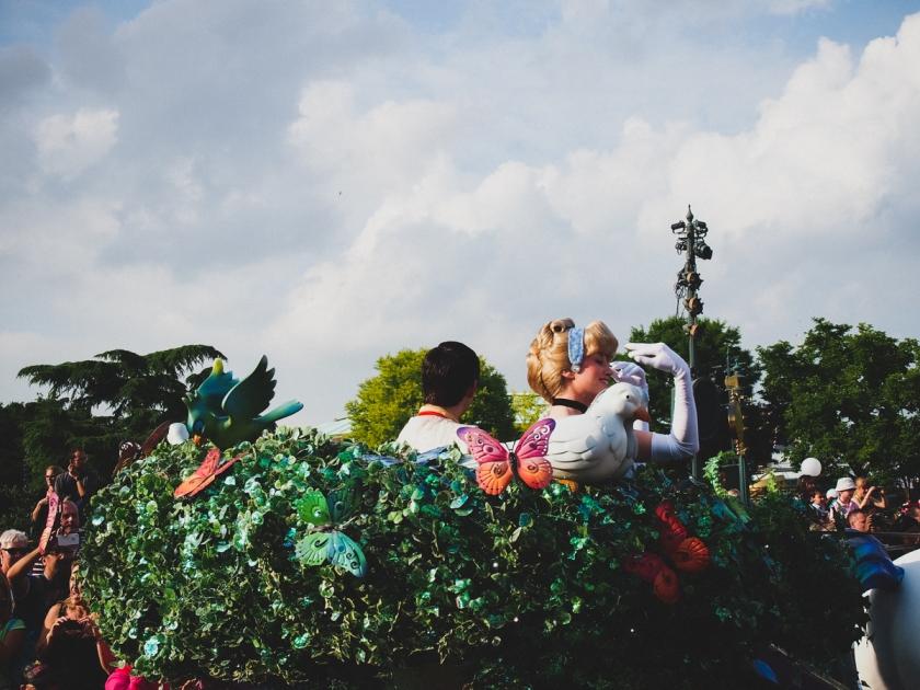disneyland-parade-cinderella