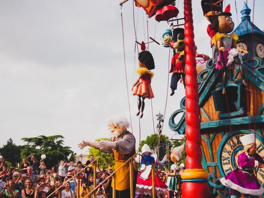 disneyland-parade-pinocchio