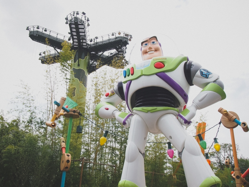 disneyland-buzz-lightyear