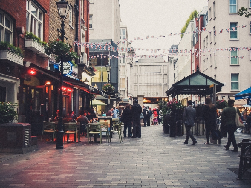 london-street-evening